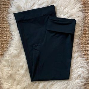 Under Armour fitted flare black yoga pants medium